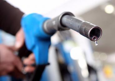 Phải làm gì khi lỡ tay đổ nhầm nhiên liệu trên ô tô ?