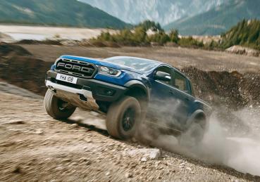 """Vì sao Ranger Raptor không chỉ """"off-road""""ấn tượng mà còn chạy êm trên đường trường?"""